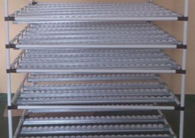 Regał z rurek aluminiowych skręcany